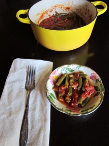 small bowl of green beans with more in casserole dish